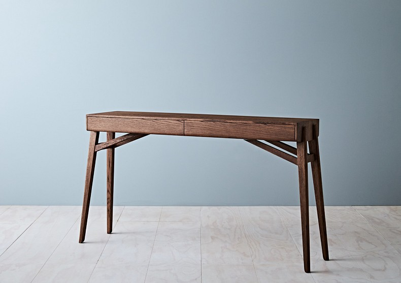 Tuki Hall Table. TIDE DESIGN.01.